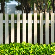 Jak doprowadzić do porządku zaniedbany ogród?