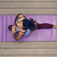 Najpopularniejsze akcesoria do jogi w ogrodzie
